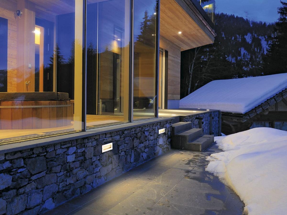 outdoor einbauleuchten f r wand decke und boden lte. Black Bedroom Furniture Sets. Home Design Ideas